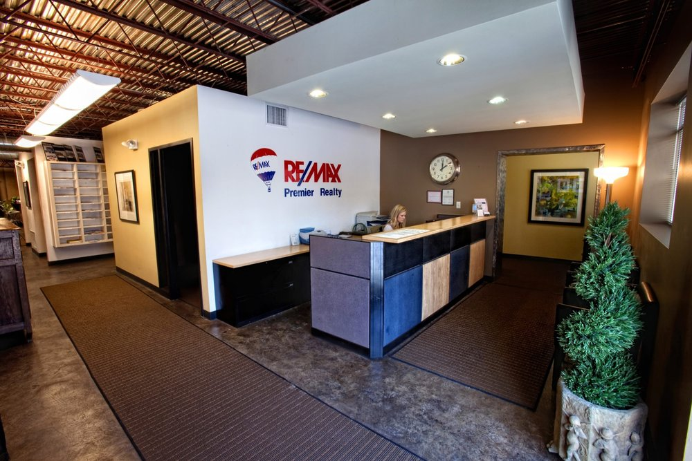Front desk at new Re/Max office in Prairie Village