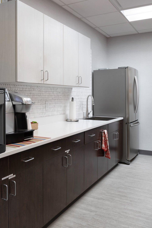 better_homes_gardens_breakroom_kitchen.jpg