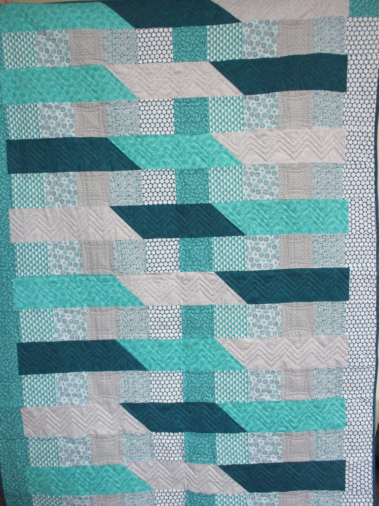 172, ROAD TO NEWPORT, 61x80, Pieced and Donated by Phyllis Stuckey, Quilted by MCC volunteers