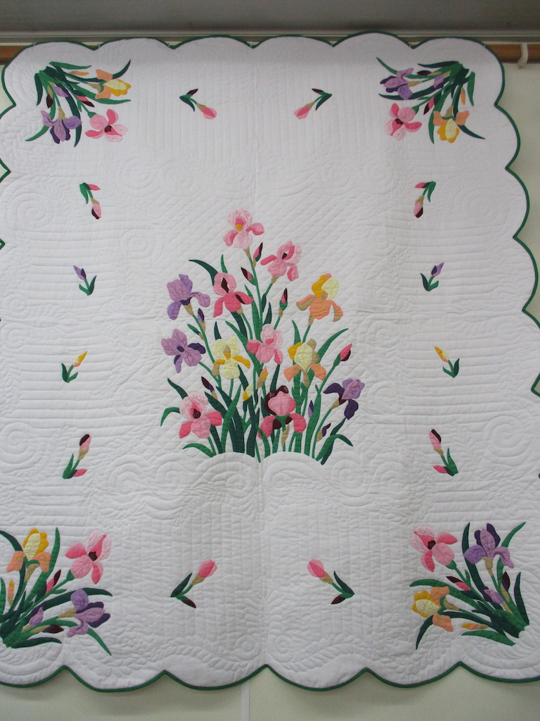 235, IRIS (signed and dated), 74x90, Appliqued by the late Elizabeth Martin, Quilted by Cora Horst