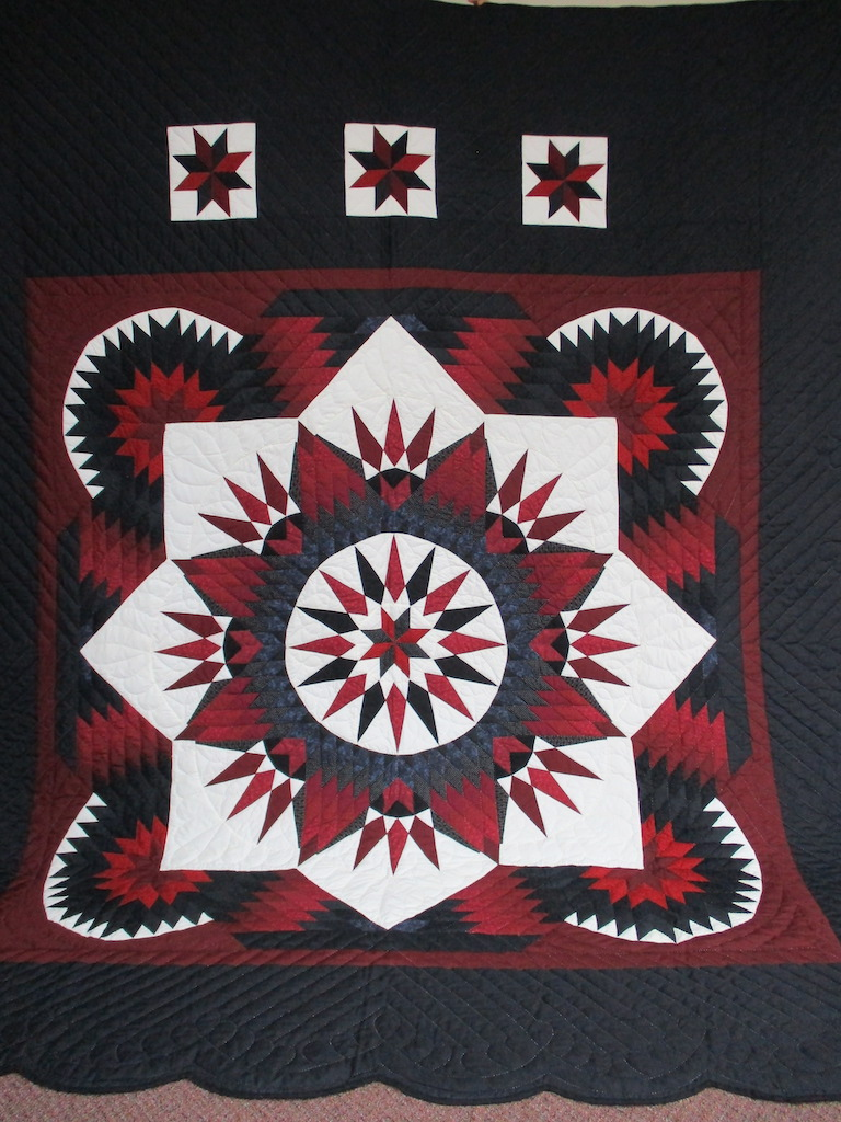316, DIAMOND TWINKLING STAR (SPOT ON BACK), 107x118, Donated by Gingrich & Krall's Sewing Circle