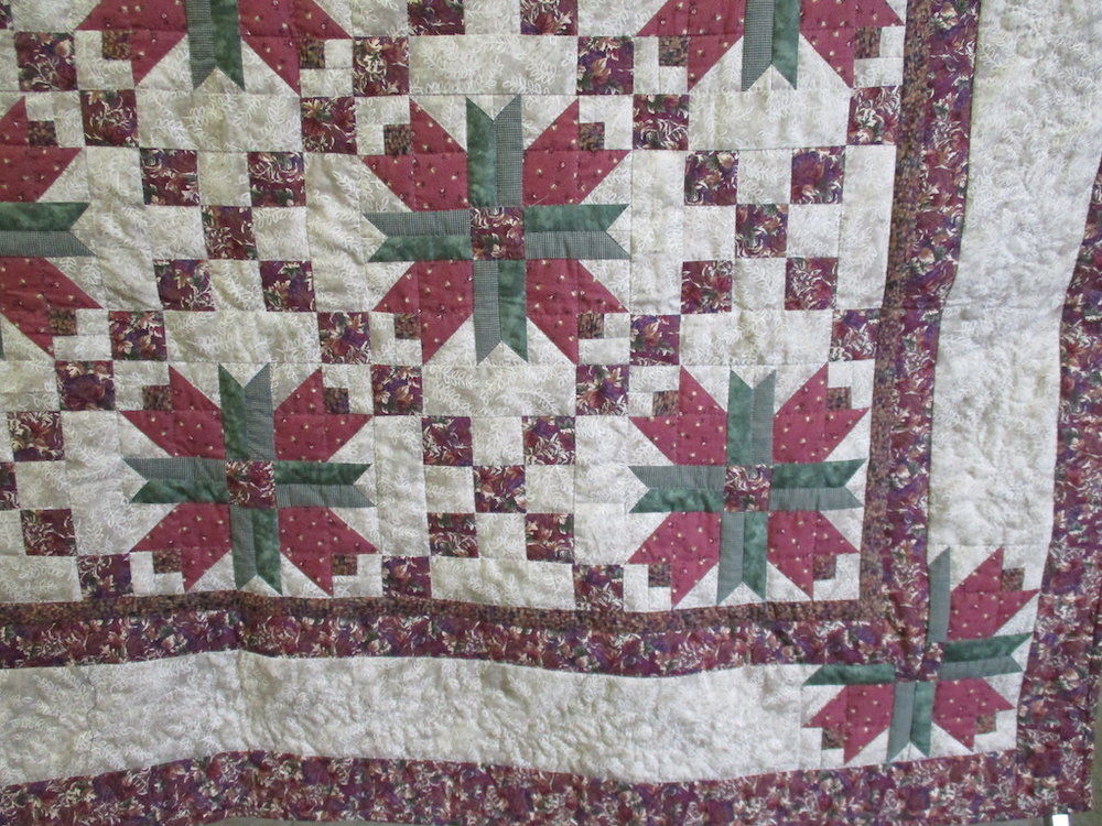 357, MEADOW LILY (signed and dated), 70x90, Pieced by Dorothy Crider, Quilted by Cora Horst