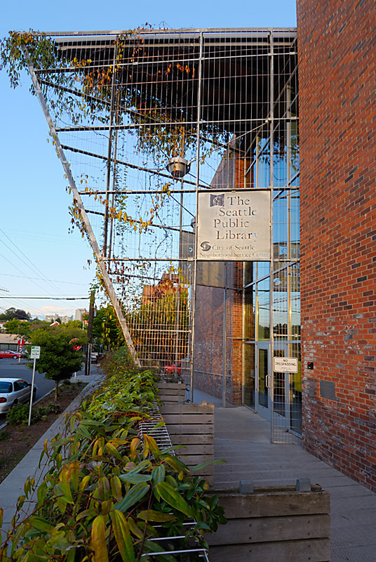 CAPITOL HILL LIBRARY -