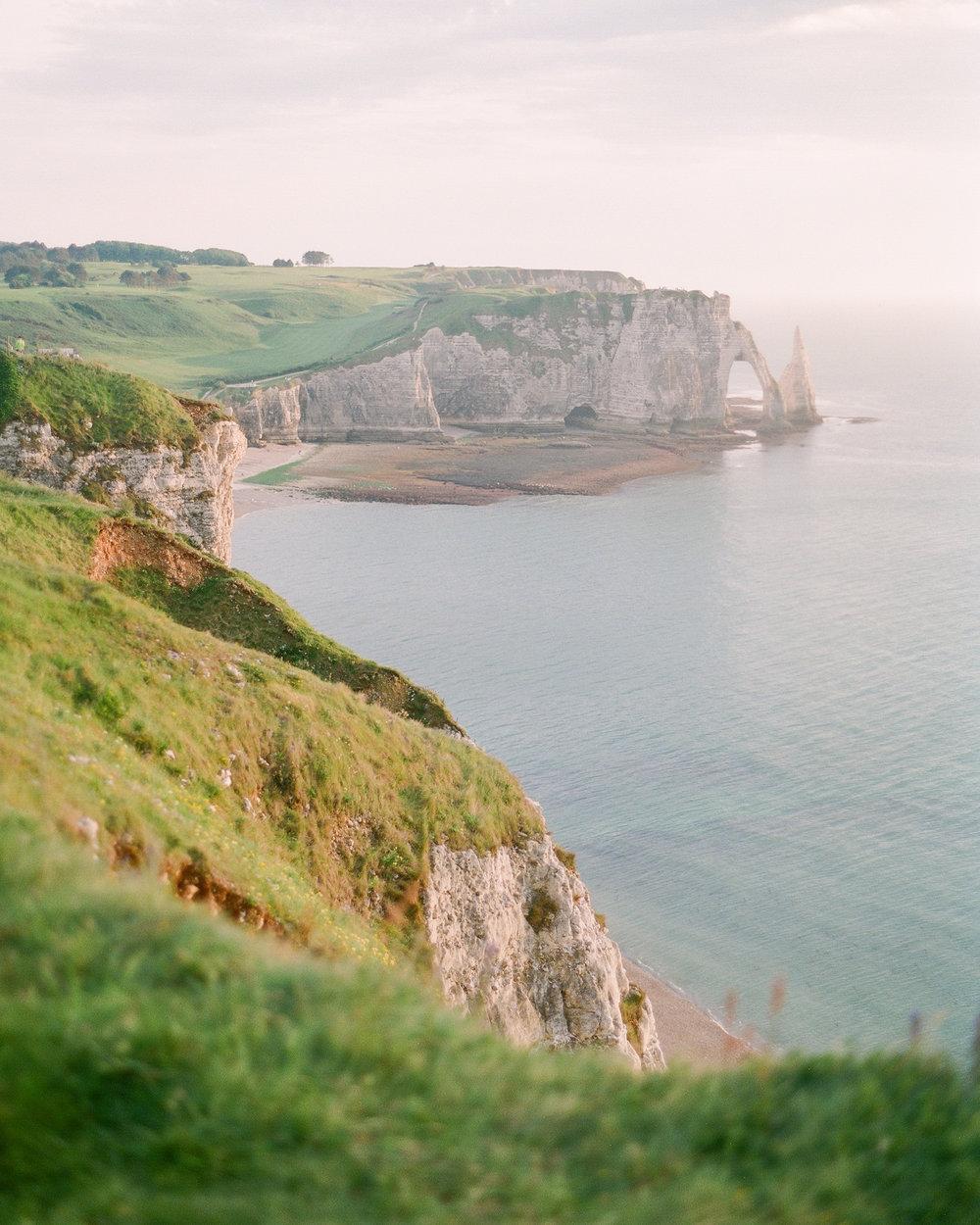 mollycarr-travel-destinationphotography-creativetravel-artists-filmphotography-unearthingtc-cliffside-ocean-europe.jpg