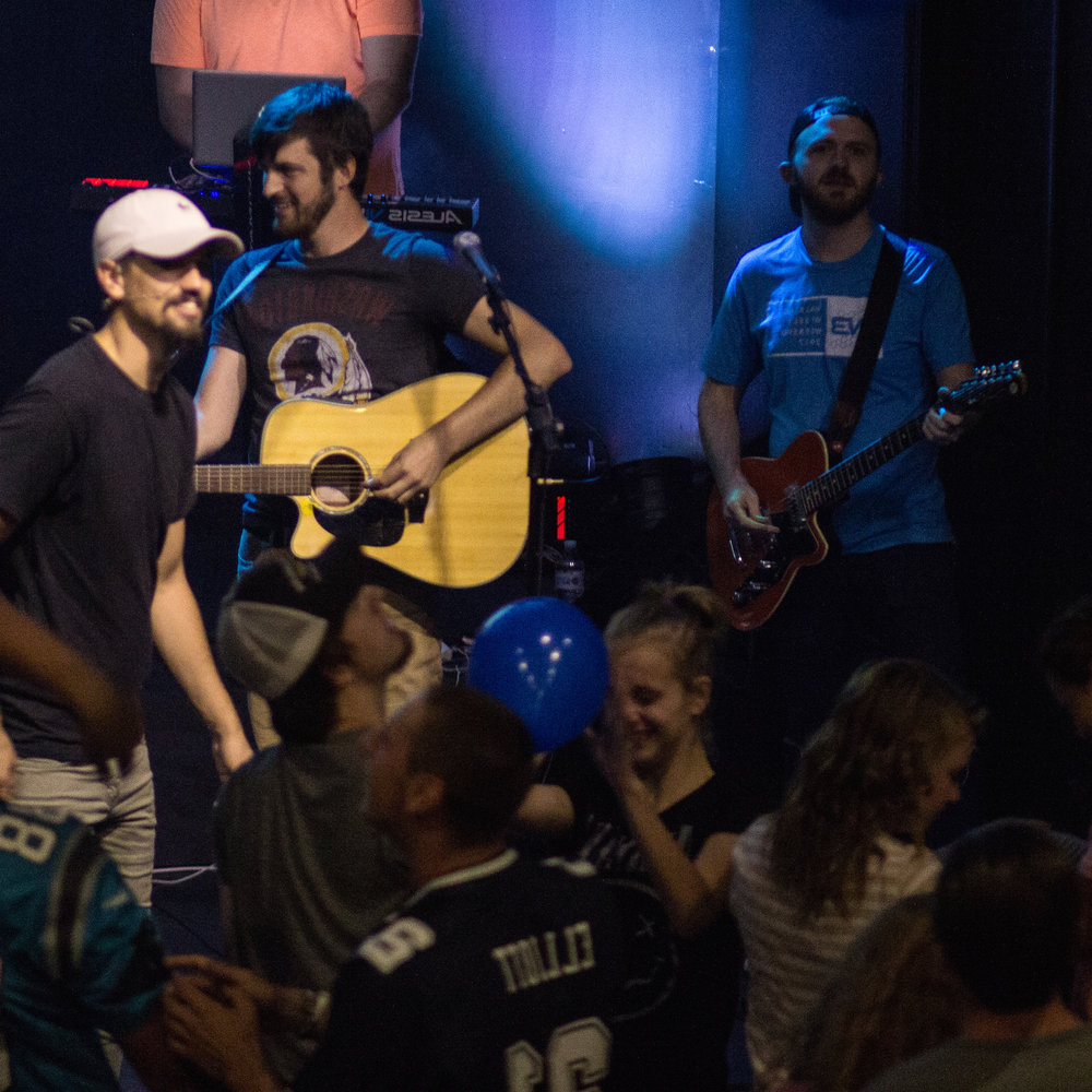 STUDENT HOPE - Student Hope is a place where students can belong, have fun, experience community, and find hope in Jesus. Student Hope Fall and Spring Semester services are on Sunday evenings from 6pm to 8pm.