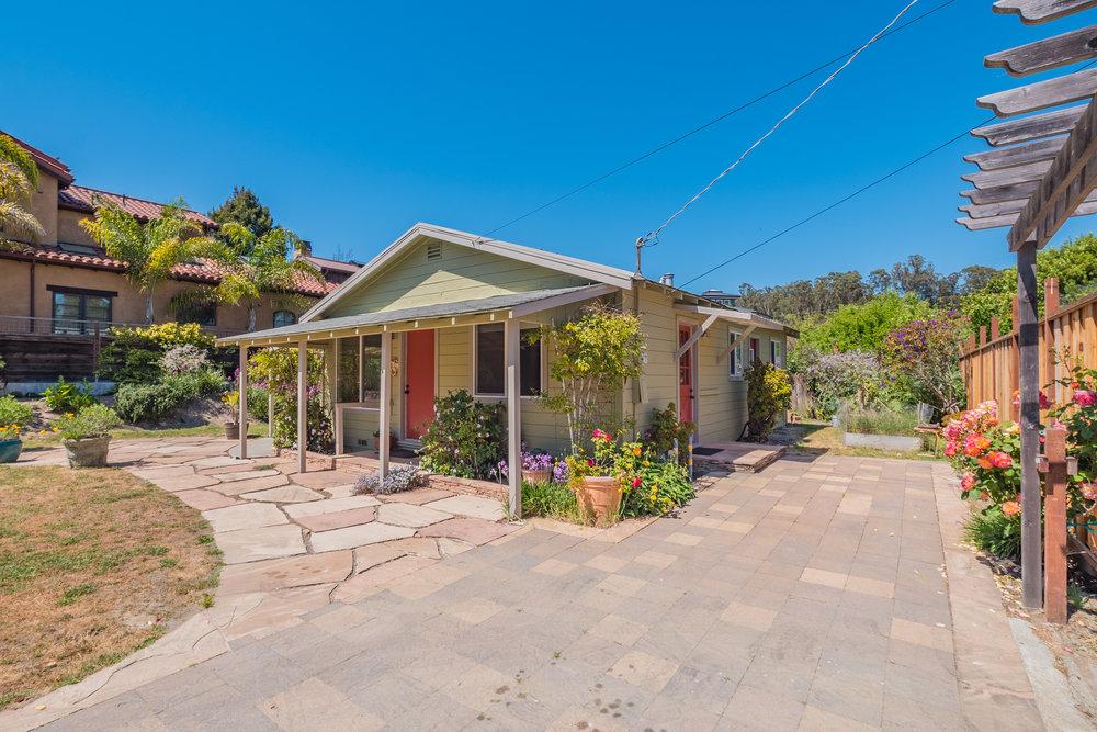 353 Baker Street, Santa Cruz                   2 Bedroom | 1 Bathroom | Large Yard with Storage Shed