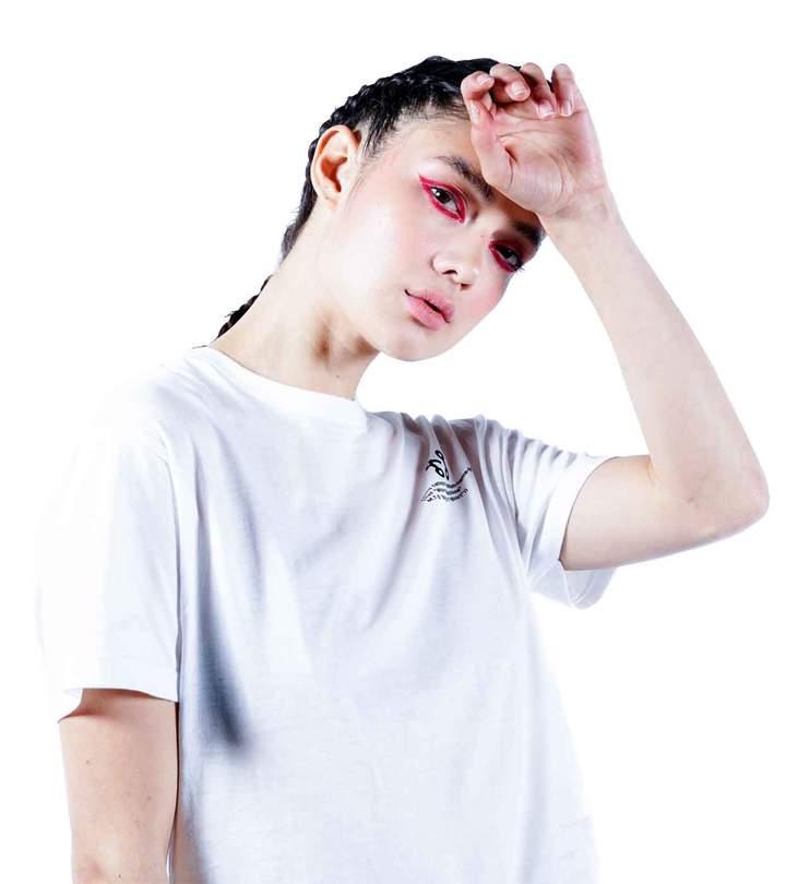 WhiteTshirt01_720x.jpg