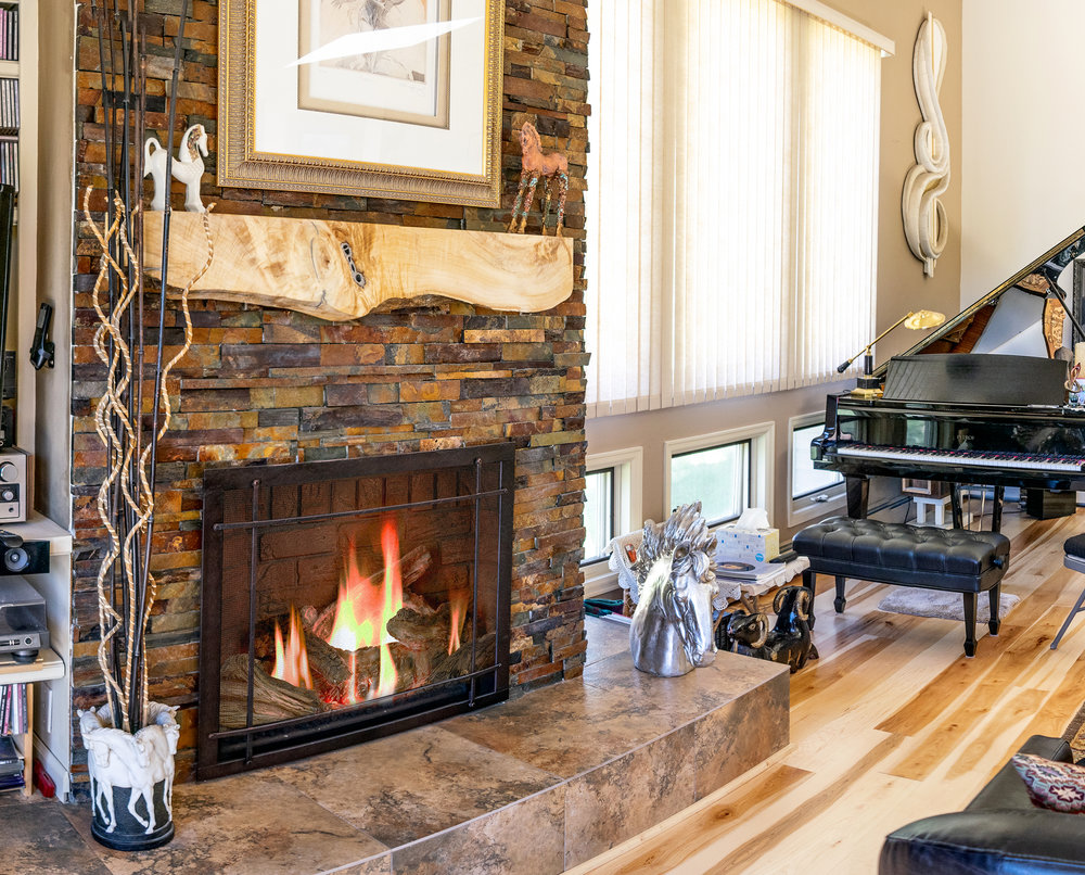 Mendota FV 41 Gas Fireplace