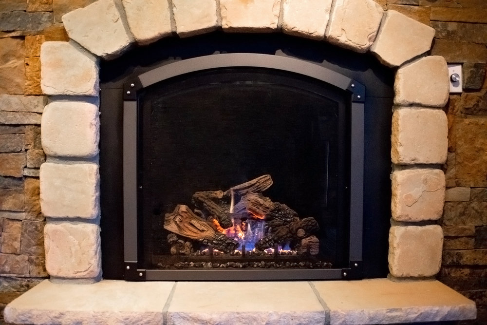 Mendota FV-41 Arch - ‧ Direct Vent Gas Fireplace ‧ 31,000 BTU‧ Metropolitan Front‧ Black Enamel Fireback Accent Lights‧ Wrought Iron Andirons‧ Wireless Wall‧ Thermostat Twin 90 CFM ‧ Convection Fans‧ Top or rear vent‧ Available in High Output model‧ Available as a See-Thru