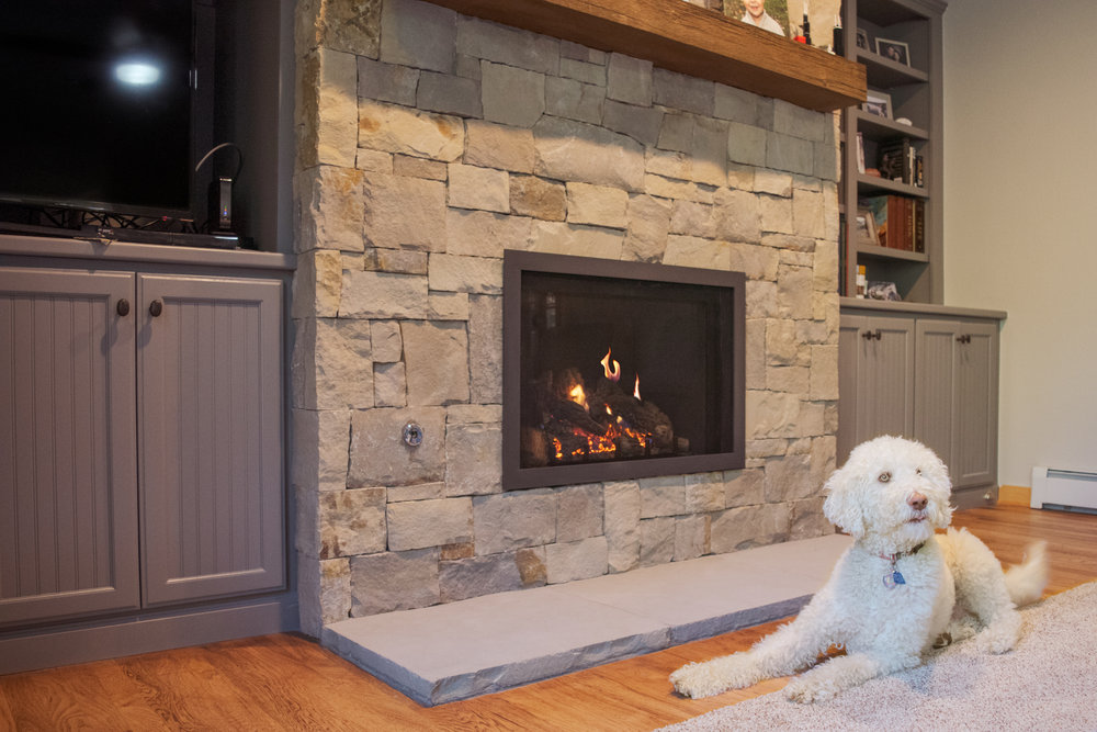 Mendota FV34 Gas Fireplace
