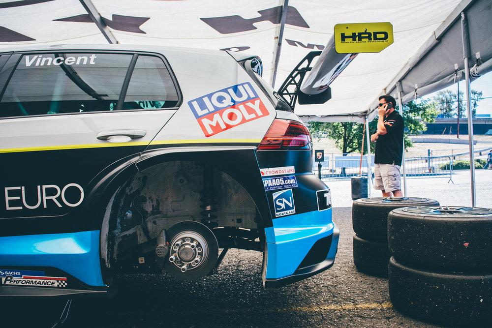 pirelli-world-challenge-pir-fcp-euro-mk7-volkswagen-gti-tcr-01.jpg