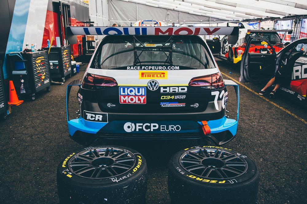 pirelli-world-challenge-pir-fcp-euro-mk7-volkswagen-gti-tcr-03.jpg