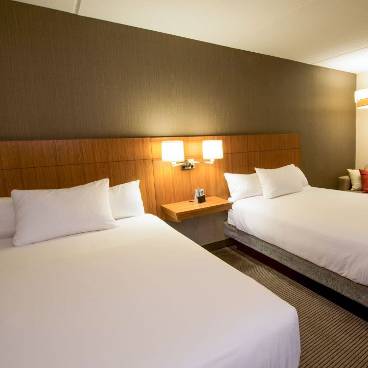 BOSZB-P019-Guestroom-Doubles.16x9.adapt.1280.720.jpg