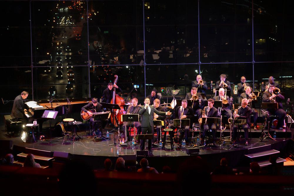 Michael Feinstein and the Tedd Firth Big Band. Photo by Frank Stewart.