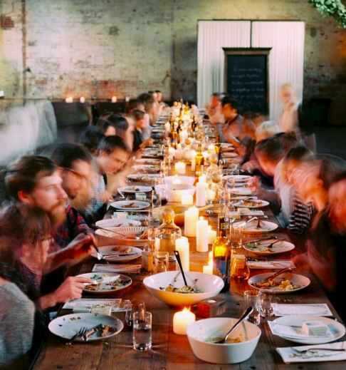 People dining .png