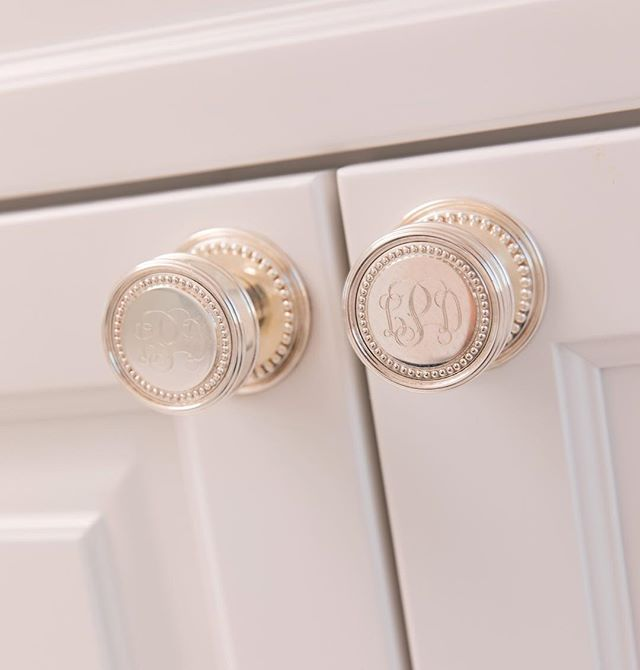 "Have you ever heard the Reese Witherspoon quote ""My rule is If it's not moving... monogram it""? I'm with you sister! 💁💕⠀ We did #monogrammed sterling silver cabinet knobs in this master bath. As soon as I learned this was a thing, I had to share with all my monogram loving clients!⠀ .⠀ .⠀ .⠀ photo: @andrewsherman⠀ ⠀ #amytyndalldesign #design #designer #interiordesign #interiordesigner #beautiful #wilmingtonnc #ilm #interiors #interiordetails #details #style #homedesign #decor #interiorinspiration  #customdesign #interiorstyle #interiordetails #figure8island #decor #instadecor #interiorinspo #instainterior #styling #interior #interiors123 #laidbackluxury #monogram #monogrameverything⠀"