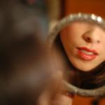 red_lips_in_mirror1-150x150.jpg