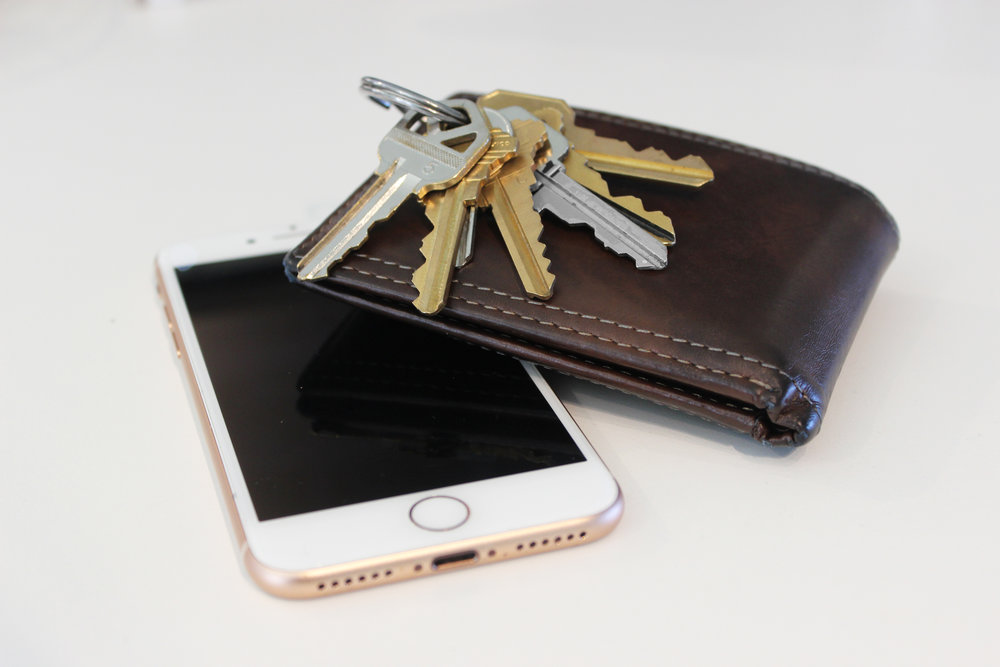 phone-wallet-keys.jpg