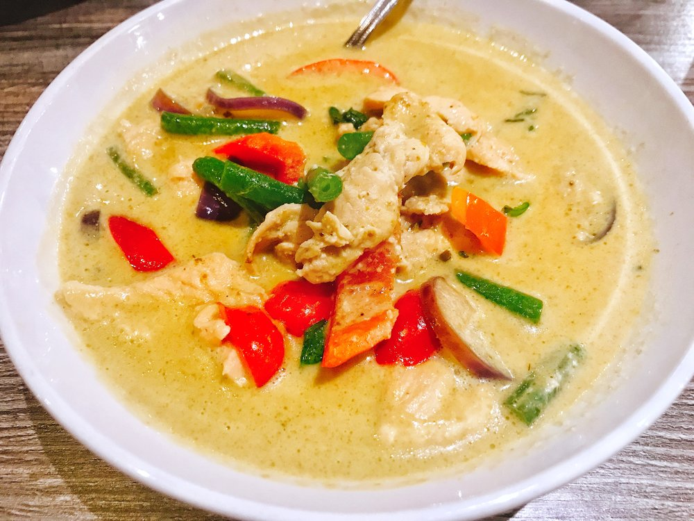 Green Curry - We also got an order of their Green Curry! Once again, the flavors here were great. This dish features Classic Thai curry, mild to medium spicy green wth green bean, bell pepper, bamboo, eggplant with a choice of chicken, tofu, or shrimp. If you're a fan of curry, this one will not disappoint.