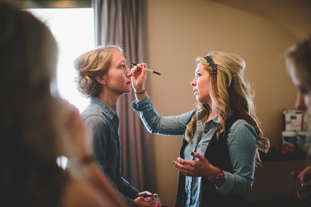 Let's make you the expert. - Learn the latest tips and techniques by booking a lesson. You will walk away feeling confident in using brushes, applying foundation, blending techniques and mastering those peepers.