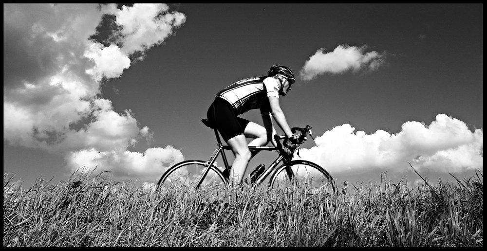 cyclist-1537843_1920.jpg