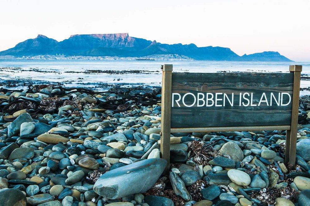 001_Robben Island_©PeterChadwick_AfricanConservationPhotographer_web.jpg