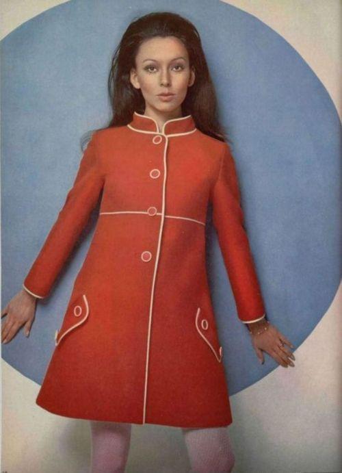 Louis Feraud Outfit - 1968 L'Officiel De La Mode