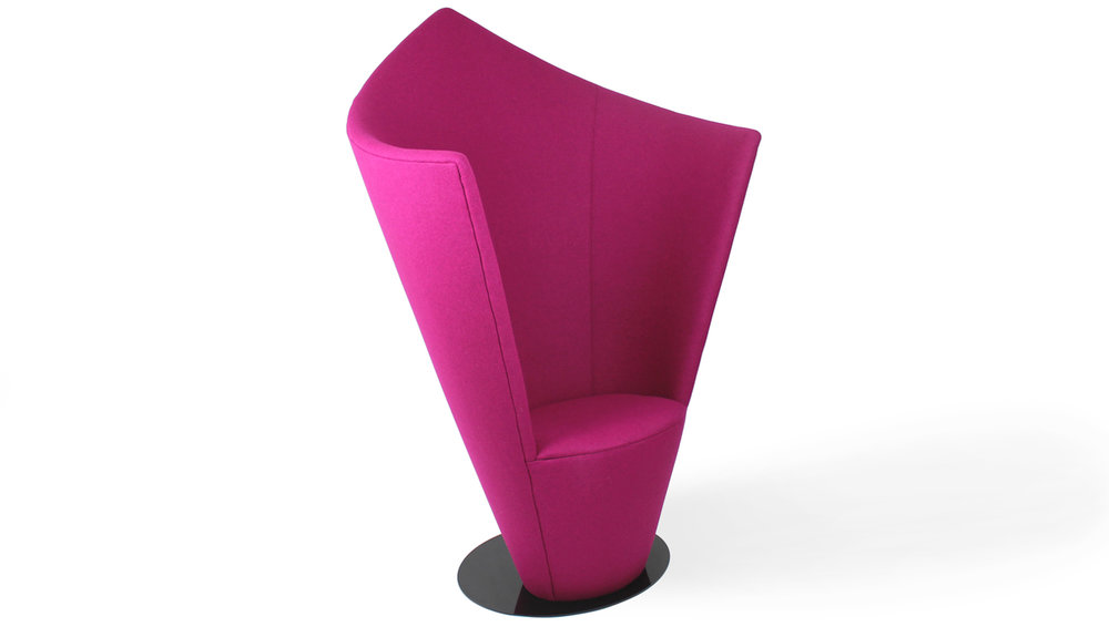 EMBRACE privacy chair -