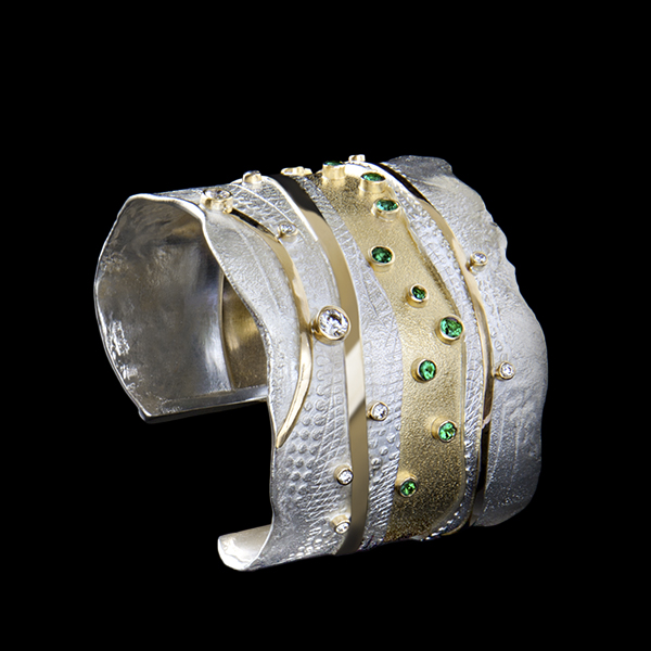FRIDA | Fine Jewellery. Shield™ Collection. River Cuff.