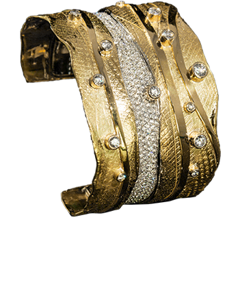 FRIDA | Fine Jewellery. Shield™ Collection, Freya cuff. Custom designed 18kt yellow gold cuff set with diamonds.