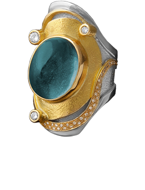 FRIDA | Fine Jewellery. Shield™ Collection, Nimue ring. One-of-a-kind ring in sterling silver and 18kt yellow gold set with a cabochon-cut aquamarine and brilliant-cut diamonds.