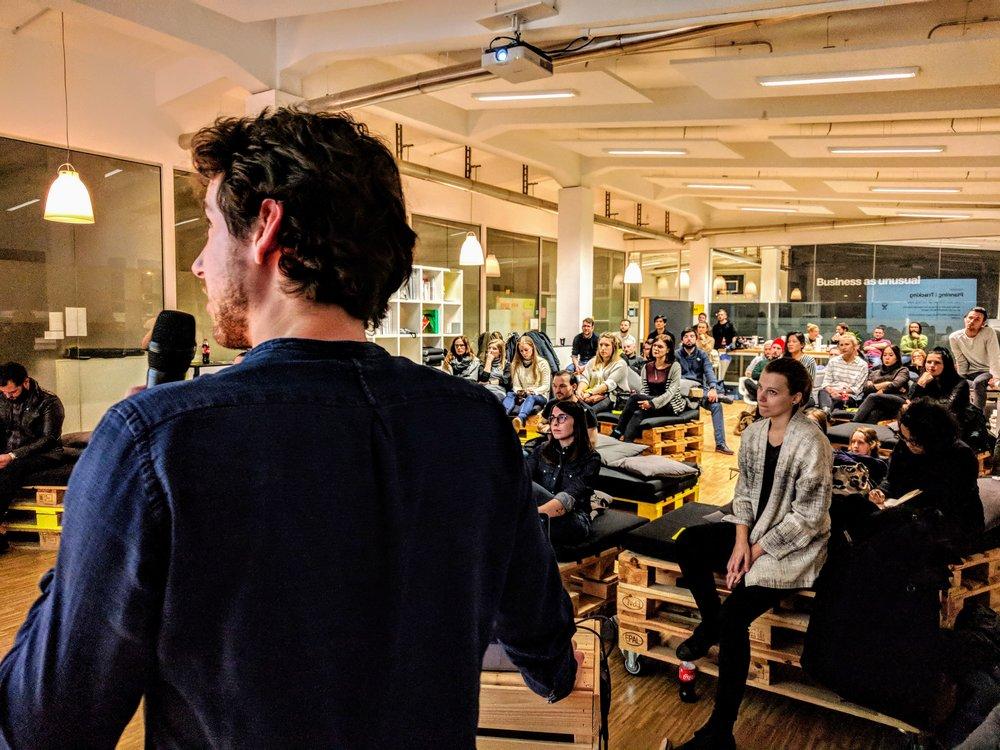 """Kevins Vortrag """"UI Design Process for Startups"""", DesignIt München 2017"""