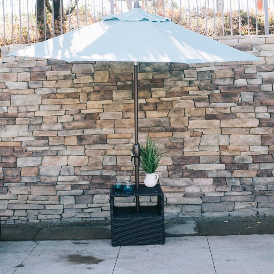 Buena Vista End Umbrella Table
