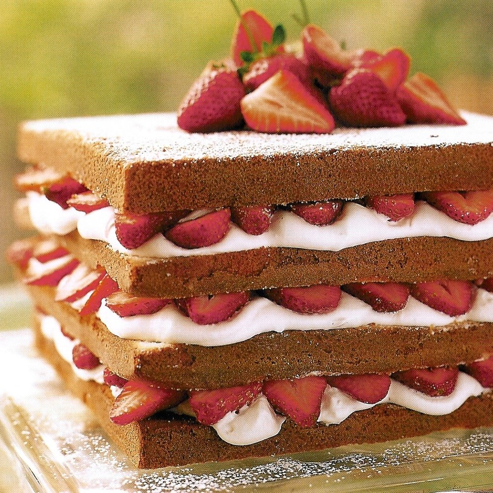 strawberry layer cake.jpg