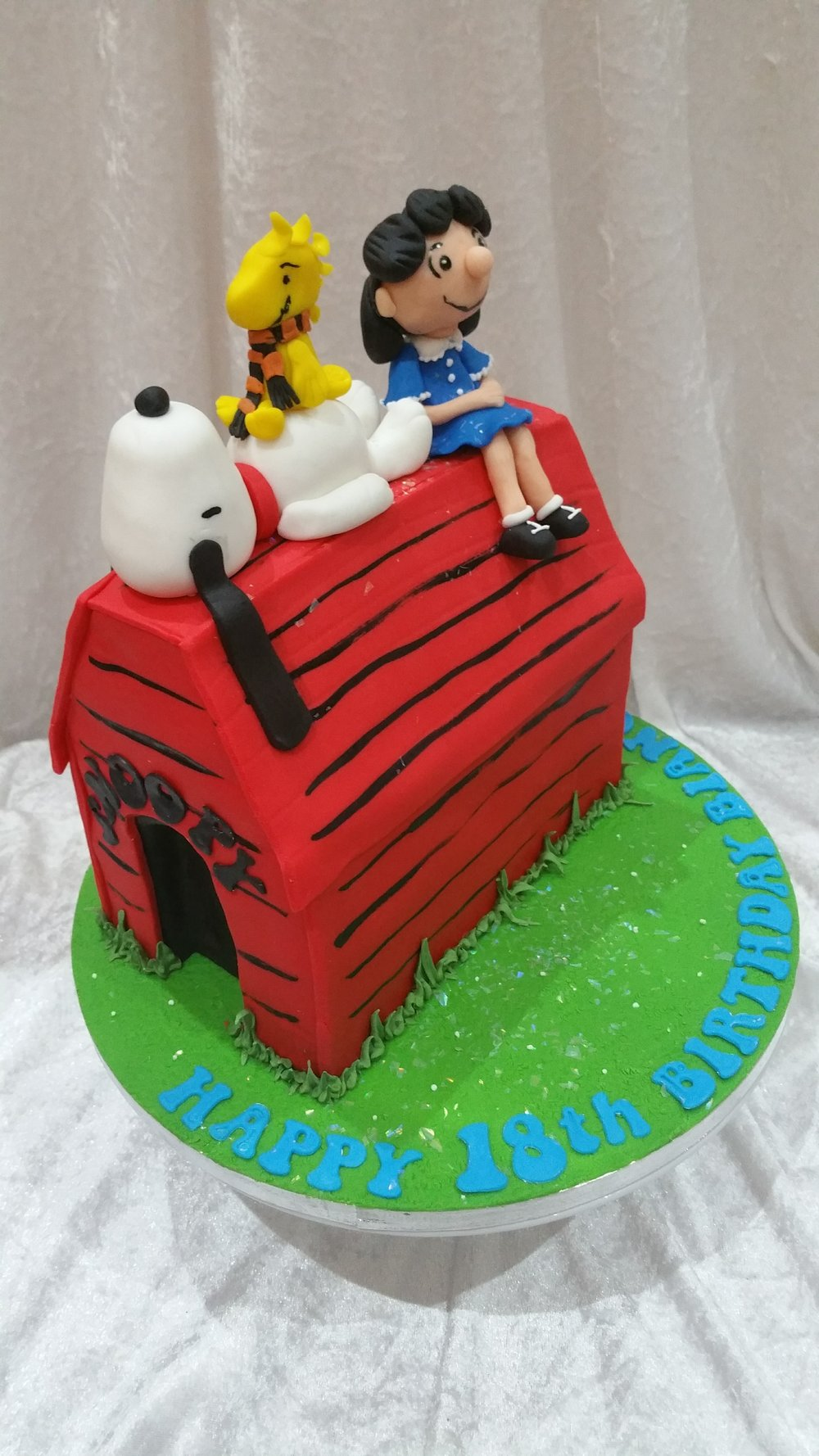 Snoopy Woodstock And Lucy Cakeadelic