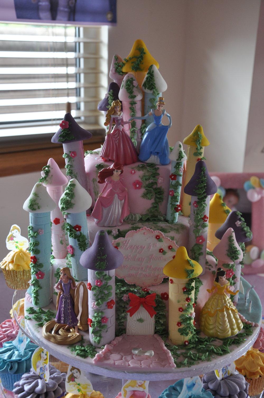 2014-06-29 Disney Princess Castle Cake and Cupcakes 19.JPG