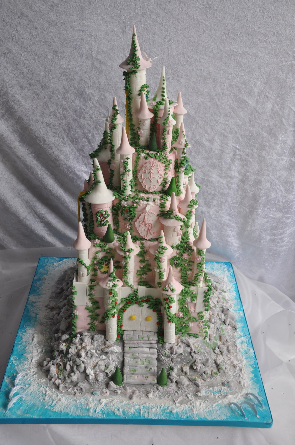 2012-06-30 Disney Princess Castle Cake 16.JPG