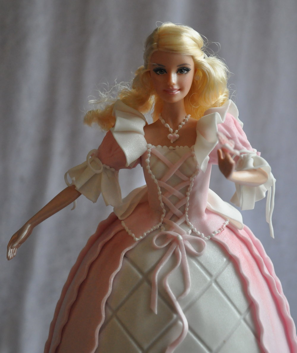 2014-03-29 Princess Barbie Birthday Cake 12_v1.JPG