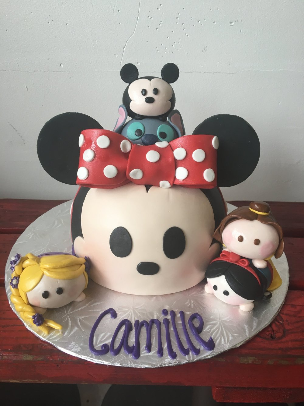 minnie cake.jpg