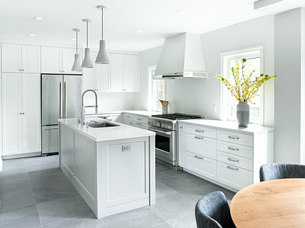 Grey Shaker kitchen with Island