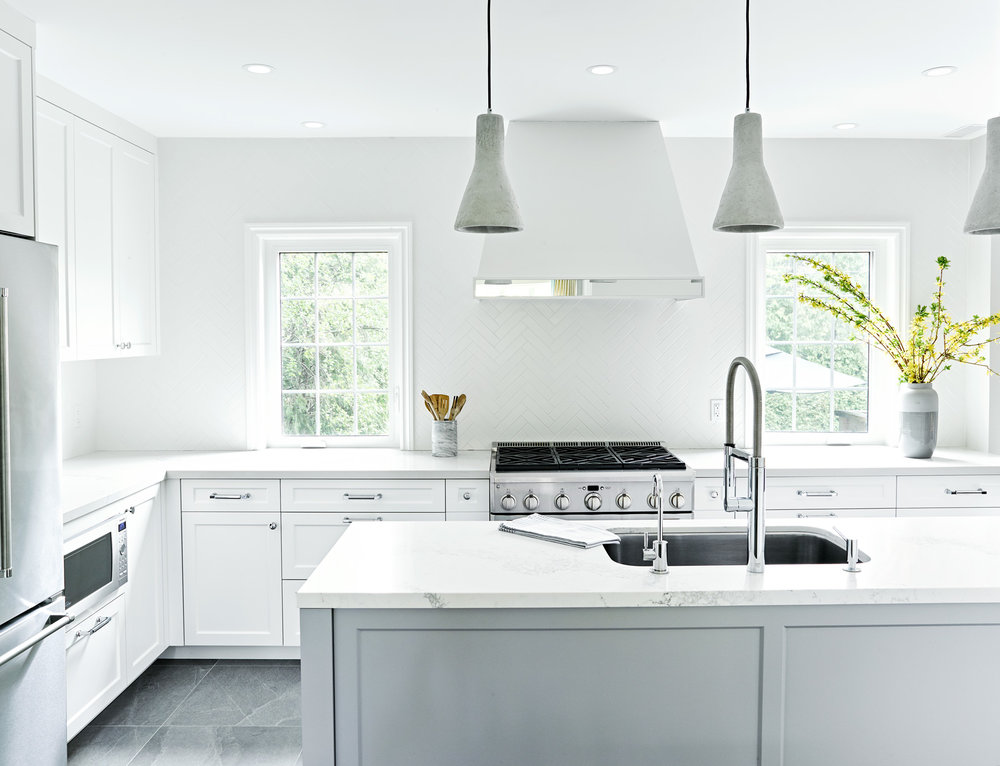 Grey Shaker Kitchen with Decorative Hood