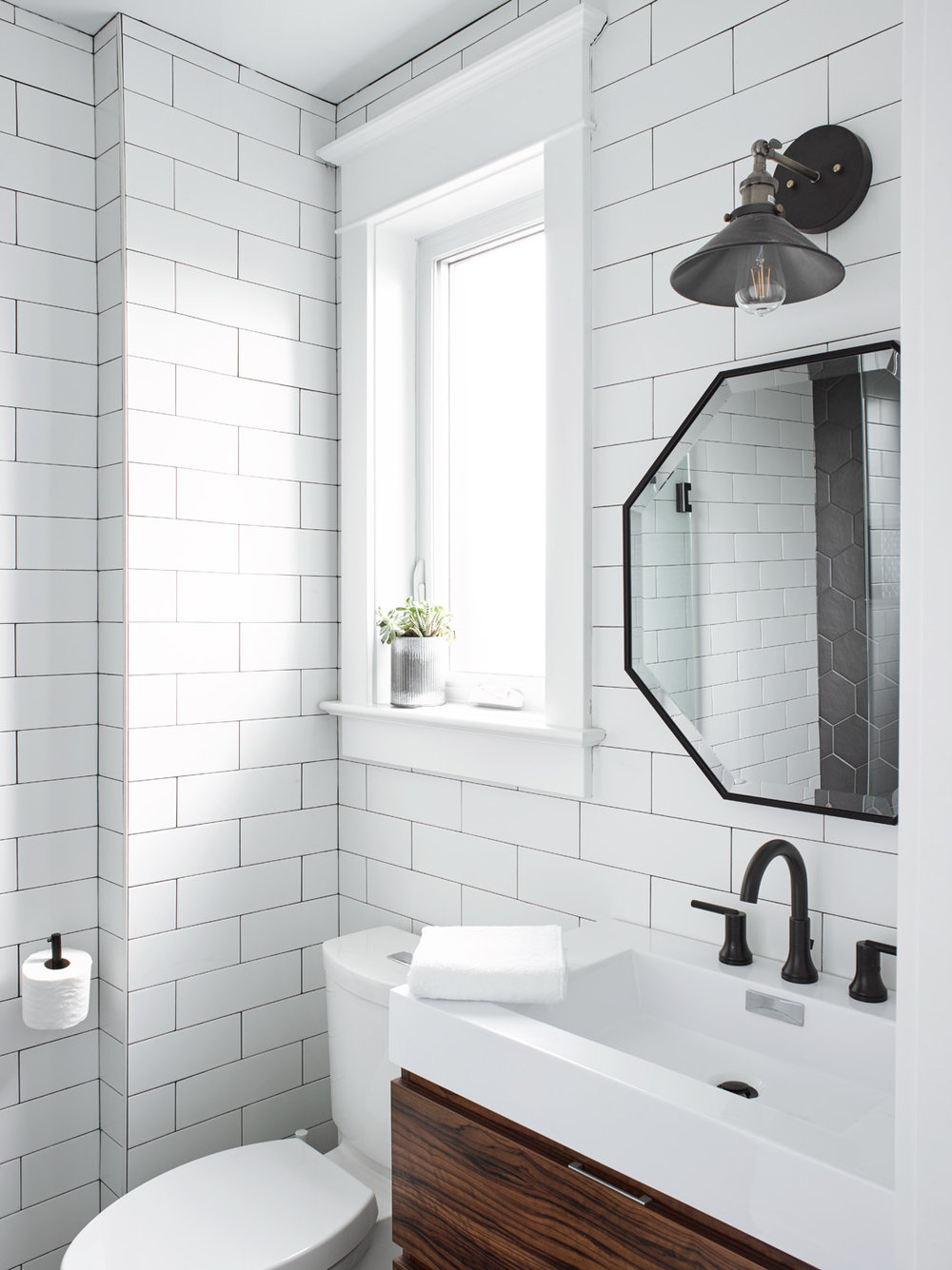 Eclectic Style Guest Bathroom