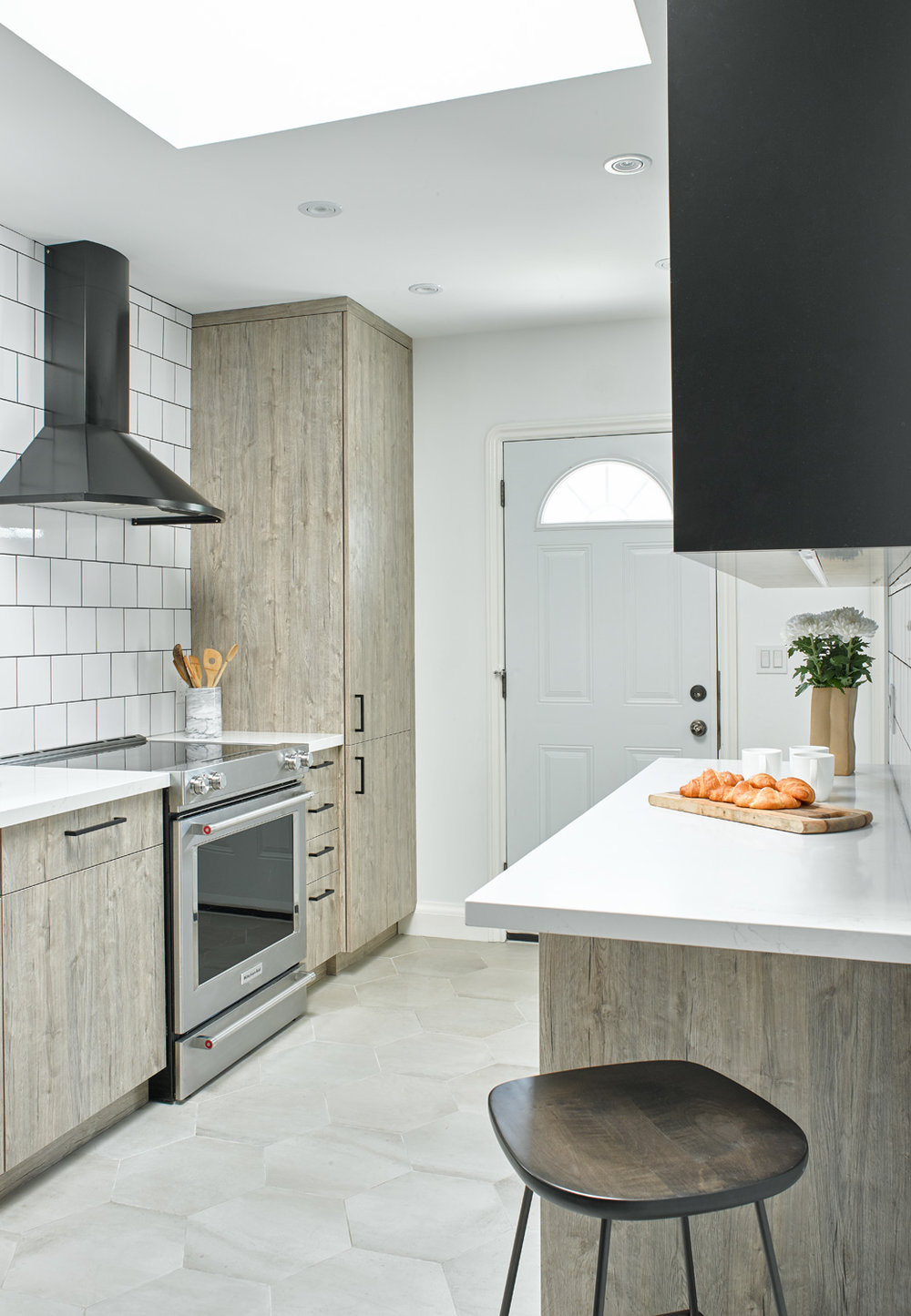 Affordable Laminate Kitchen by Linnea Lions