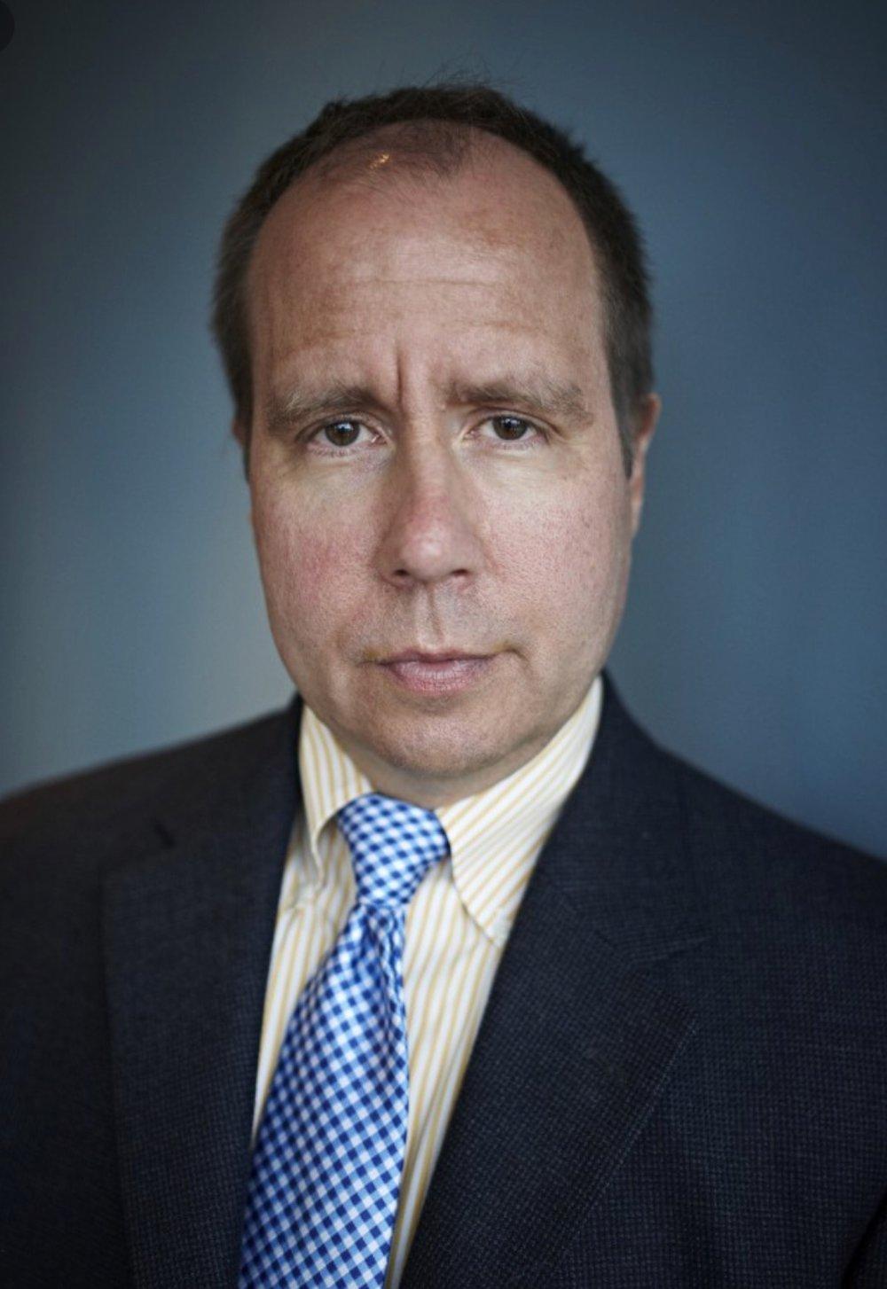 Dr STEVEN           PHILLIPS -