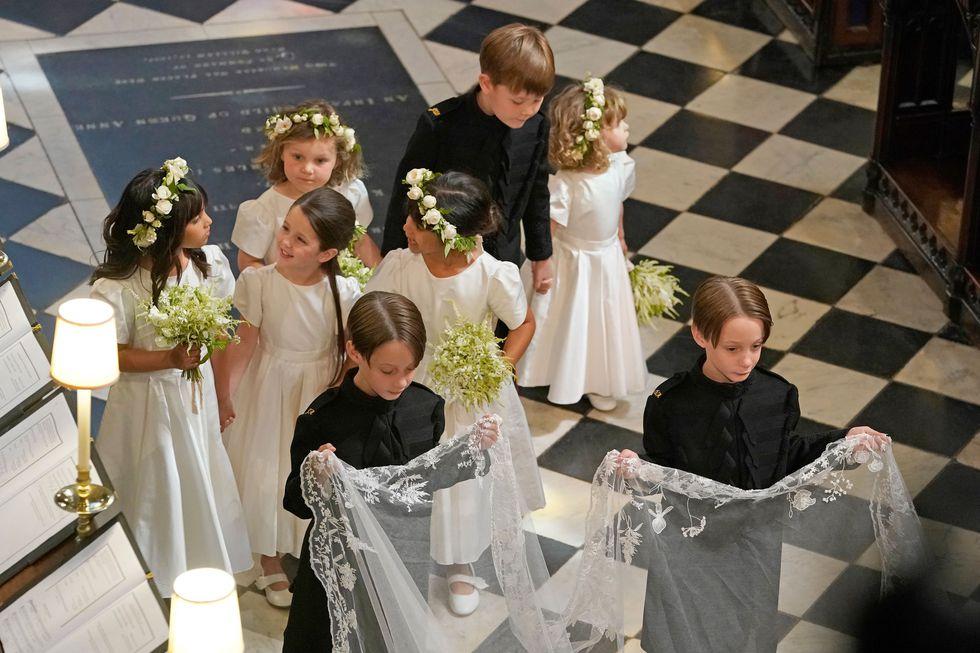 bridesmaidspageboys-1526749005.jpg