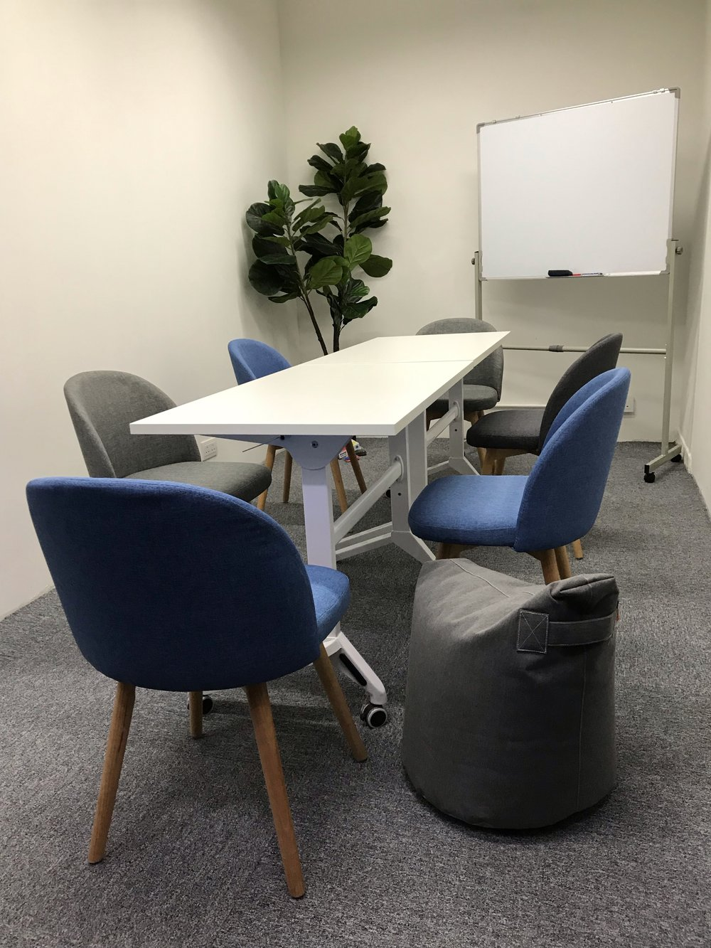 Discussion, study room for 3-6 pax