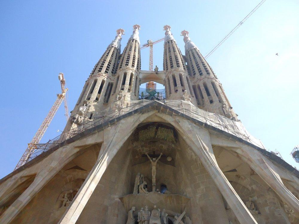 1-sagrada_family_church_salvador_dali_art-1060155.jpg!d.jpg