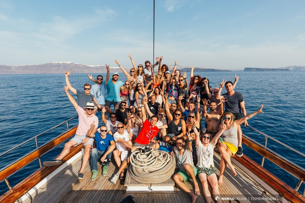 Nomad Cruise 6 Santorini