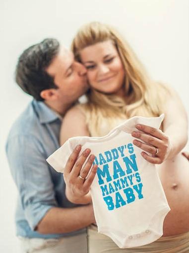 Pregnancy & newborn photo album