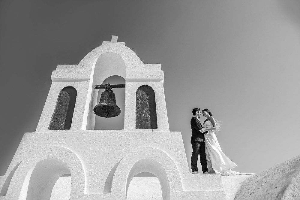 Newlywed couple in Santorini